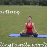 Welcome to Dini's Yoga Videos with a FREE 15' invigorating morning practice