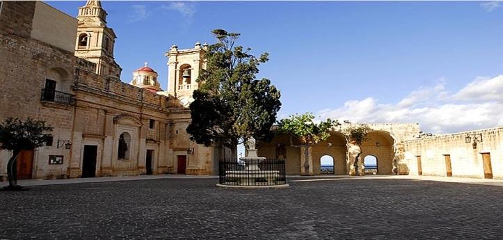 Mellieha square