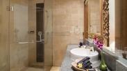 superior bathroom 1