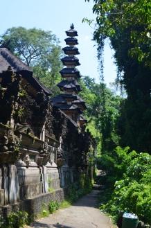 Campuan Ridge Walk past Water Temple